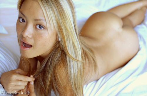 5dqfzrzj15 tila tequila   nude photo shoot for daisy beach 13  college amateur girls