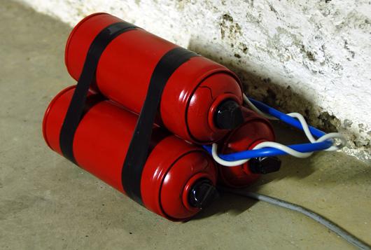 Fra.Biancoshock paint bomb