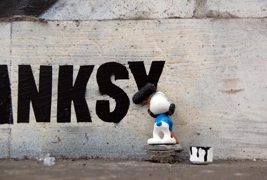 Fra.Biancoshock smurf painting graffiti