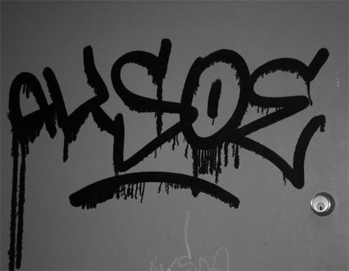 Aksoe Drippy Tag