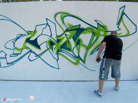 can2 graffiti