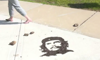 Che Art Using Mud