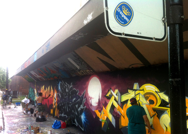 crazy apes mortal kombat graffiti