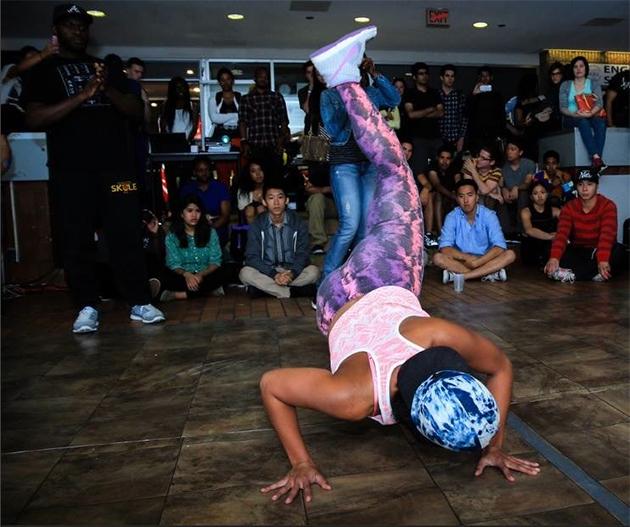 fly lady di break dancing
