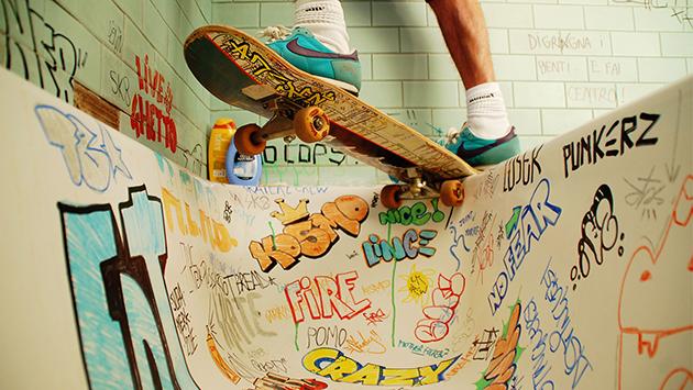 fra.biancoshock skateboarding pool