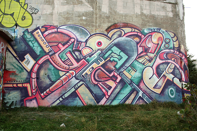 graffiti wall by tek