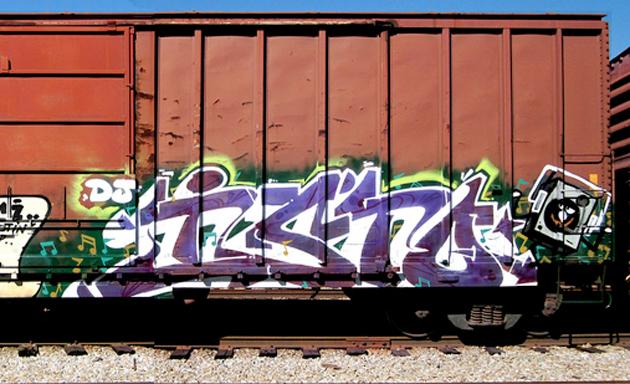 isto graffiti boxcar