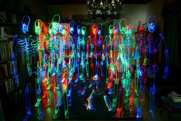light skeleton people