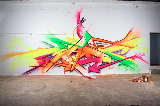 http://senseslost.com/third-rail-content/uploads/madc-neon-graffiti.jpg