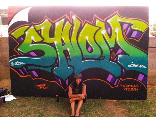 opia graffiti painting pose