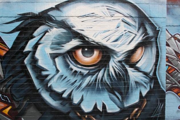 owl graffiti toronto queen street mural