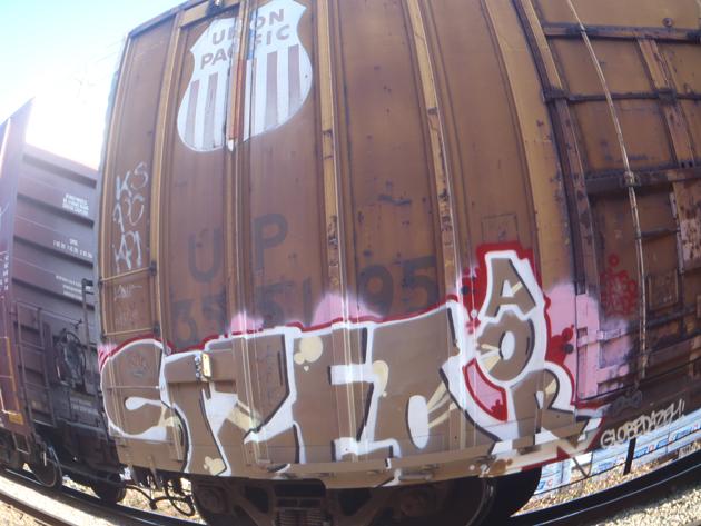 sizeo union pacific boxcar graffiti
