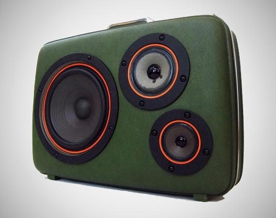 suitcase built in speakers