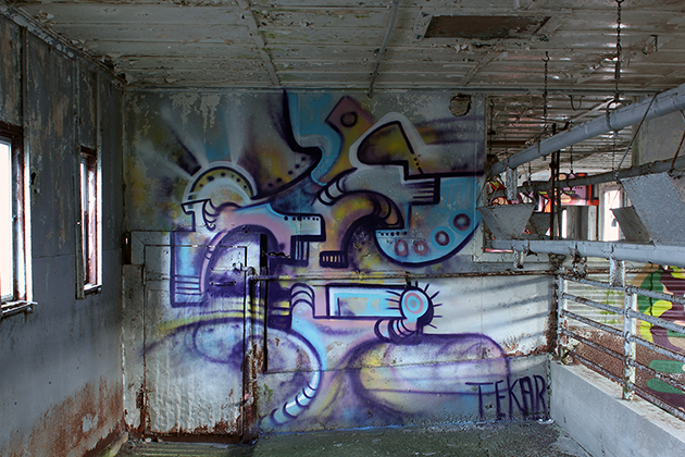 tek graffiti warehouse colors
