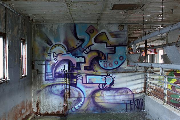 tek graffiti warehouse colors