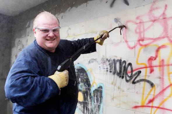 toronto mayor rob ford cleaning graffiti