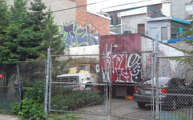 tox graffiti montreal