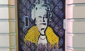 Endless graffiti stencil in London