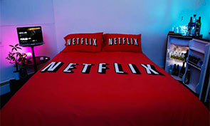 Netflix & Chill Bedroom Theme