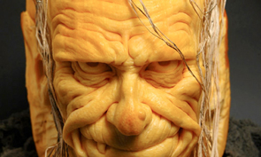 Impressive Pumpkin Carving by Ray Villafane