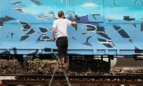 Soten Paints the Molotow Train
